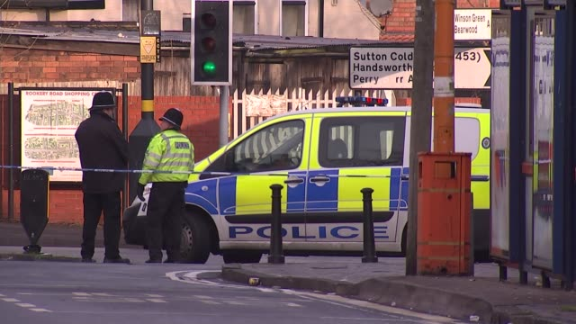 man stabbed to death on birmingham bus england birmingham handsworth ext police van and cordon across road close to scene of stabbing of man on board... - handsworth stock-videos und b-roll-filmmaterial