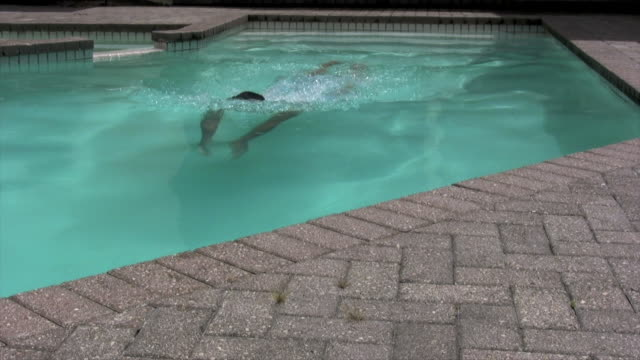 stockvideo's en b-roll-footage met man takes a dip - alleen oudere mannen