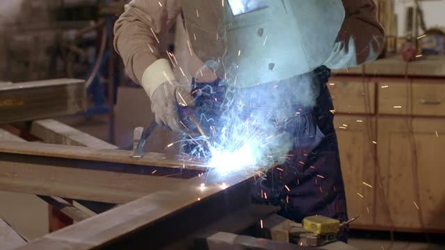 SLO MO DS Man welding
