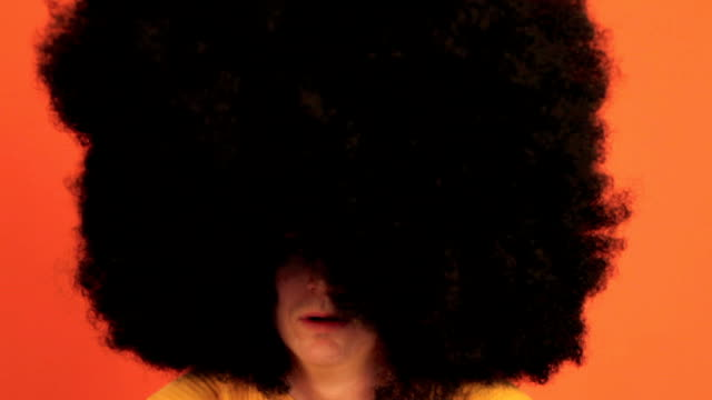 man with huge afro looking around in wonder - hairstyle stock videos & royalty-free footage