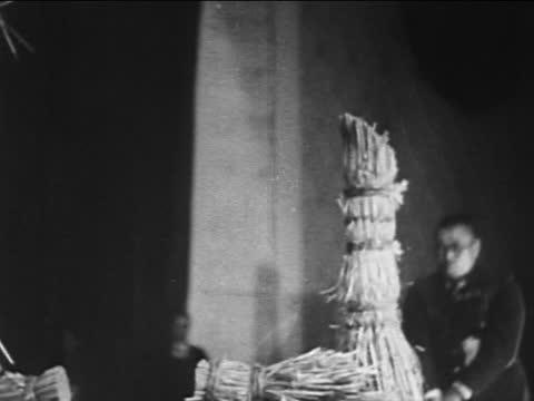 man with sword chopping poles - samurai stock videos & royalty-free footage