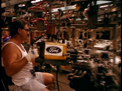 1994 MS Man working in Ford car assembly / Columbus, Ohio, USA