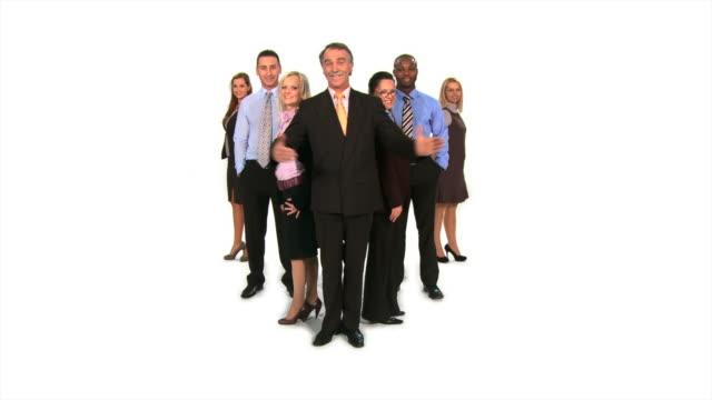 vídeos de stock e filmes b-roll de hd: o gerente e a sua equipa - camisa e gravata
