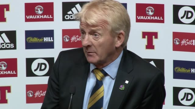 manager gordon strachan insists he felt stressfree despite scotland waiting until the 88th minute before getting a late winner in their crunch world... - ゴードン ストラハン点の映像素材/bロール