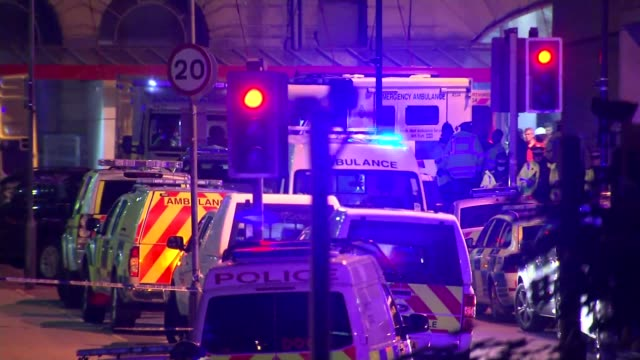 itv news special 0925 1025 manchester emergency vehicles with flashing lights at scene soldiers next to 'rlc bomb disposal' vehicle police vehicles... - manchester arena stock videos & royalty-free footage