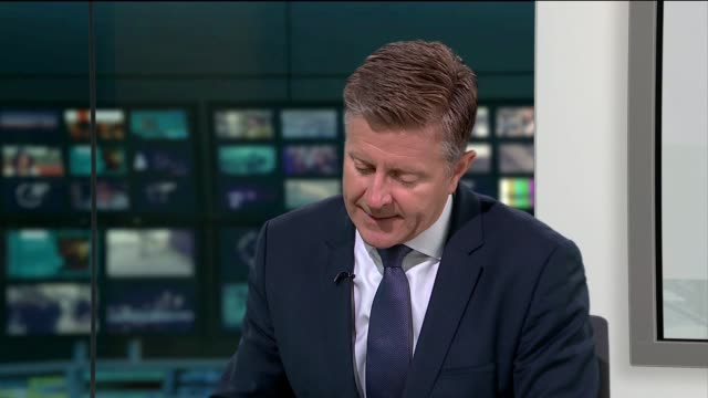 itv news special 0925 1025 england london gir nina hossain and chris ship discussion sot split screen studio nina hossain to camera sot / damon green... - ニナ・ホサイン点の映像素材/bロール
