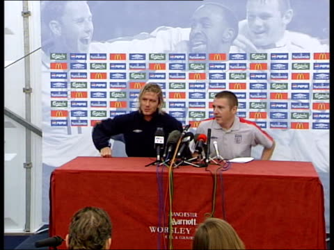 manchester beckham along to sit at press conference david beckham press conference sot it is going to be a volatile atmosphere and we don't want... - 2003 bildbanksvideor och videomaterial från bakom kulisserna