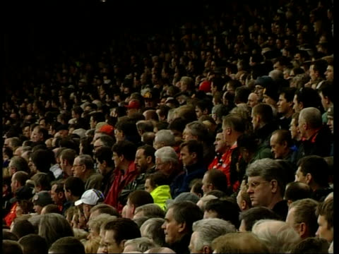 itn england manchester old trafford ext bv manchester united players observing one minutes silence in memory of hillsborough victims side lms... - trillerpfeife stock-videos und b-roll-filmmaterial