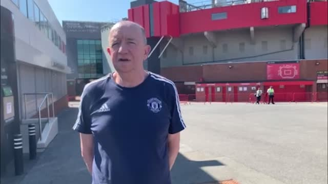 stockvideo's en b-roll-footage met manchester united fans andrew clark and colin bradley condemn the decision for english football clubs to consider a breakaway european super league.... - english football association