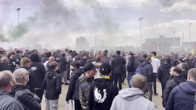 manchester united fans protesting outside old trafford football stadium against the glazer family, who own the club, over long term resentment and... - owner stock videos & royalty-free footage