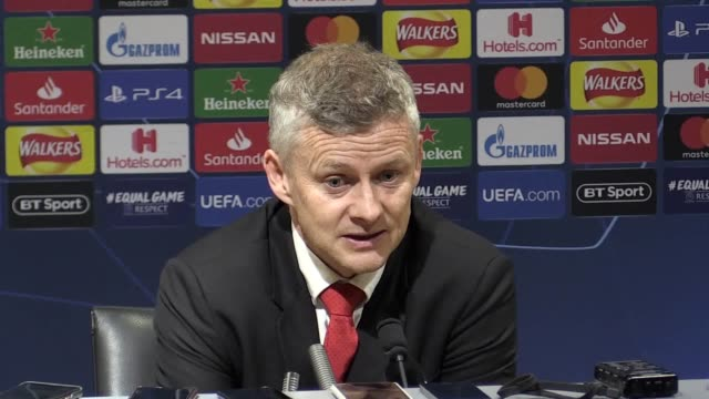manchester united manager ole gunnar solskjaer speaks following the 1-0 defeat at the hands of barcelona in the champions league quarter-final first... - 10 seconds or greater点の映像素材/bロール