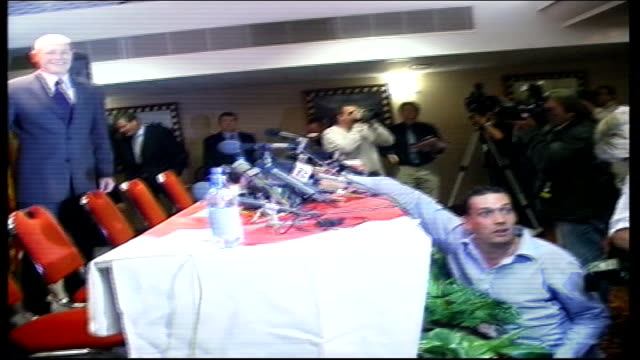 Manchester United sign Juan Sebastian Veron Press conference ITN Manchester Old Trafford Juan Sebastian Veron along into room for press conference /...
