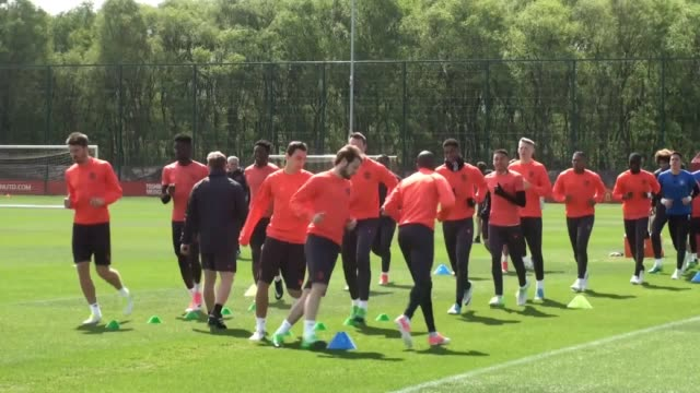 manchester united train ahead of their europa league semi-final against celta vigo. also includes pogba, bailly, smalling and jones, who have all... - semifinal round stock videos & royalty-free footage