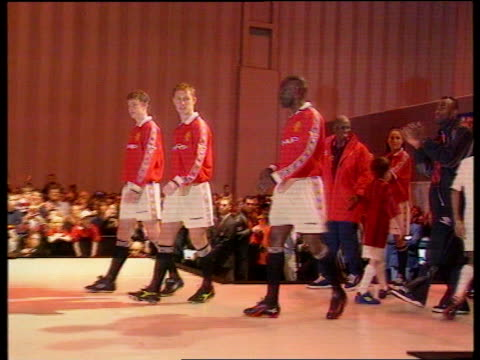 Manchester United unveil new kit ENGLAND Manchester Old Trafford Manchester United players Andy Cole Nicky Butt and Ole Gunnar Solskjaer along...