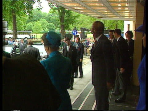 mandela state visit; gmtv pool dorchester hotel side mandela and princess anne out of hotel track r-l as to car 