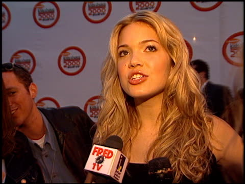 stockvideo's en b-roll-footage met mandy moore at the 2000 nickelodeon kids' choice awards at ucla in westwood california on april 14 2000 - nickelodeon kids' choice awards