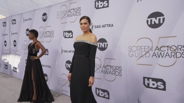 mandy moore at the 25th annual screen actors guild awards - social ready content at the shrine auditorium on january 27, 2019 in los angeles,... - screen actors guild stock videos & royalty-free footage
