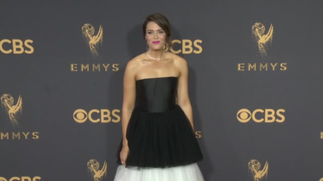 mandy moore at the 69th annual primetime emmy awards at microsoft theater on september 17 2017 in los angeles california - premio emmy video stock e b–roll