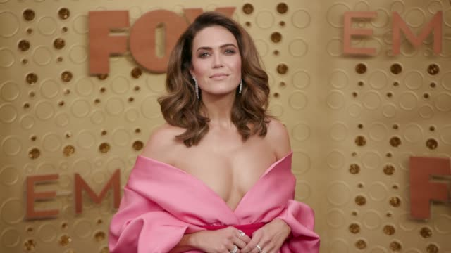 mandy moore at the 71st emmy awards - arrivals at microsoft theater on september 22, 2019 in los angeles, california. - emmy awards stock-videos und b-roll-filmmaterial