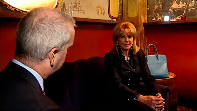 mandy ricedavies dies 3092013 / r30091319 int mandy ricedavies interview sot as an 18yearold i sure gave that judge a run for his money - mandy rice davies stock videos & royalty-free footage