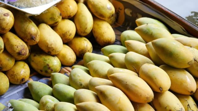 Mangue et durian, un fruit délicieux