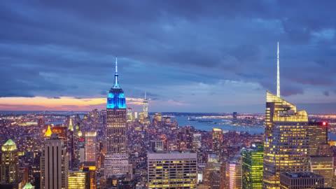 stockvideo's en b-roll-footage met manhattan bij nacht, new york - world trade center manhattan