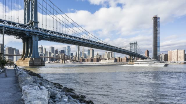 manhattan bridge cloud time lapse - new york - east river stock videos & royalty-free footage