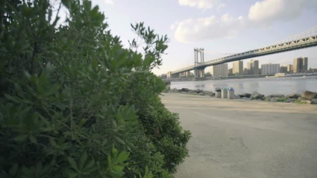 manhattan bridge - dolly shot - ニューヨーク州 ブルックリン点の映像素材/bロール