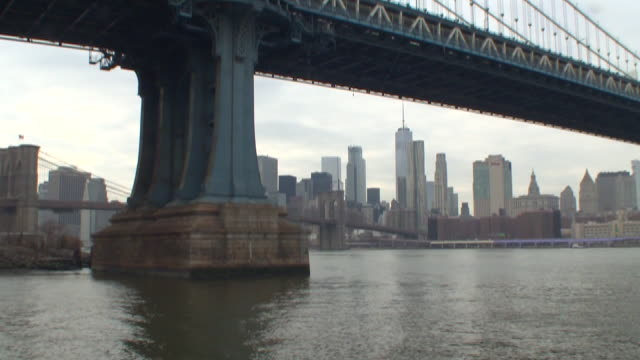 vídeos de stock, filmes e b-roll de manhattan bridge - manhattan bridge
