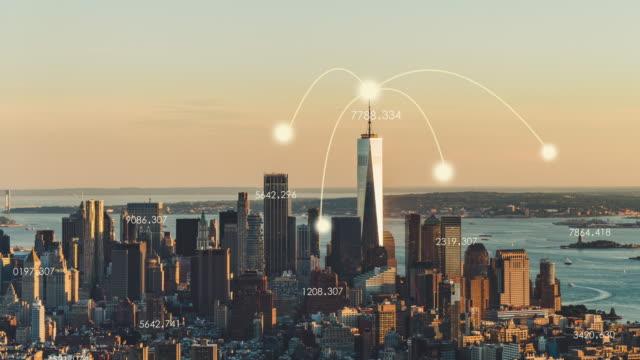 vídeos de stock, filmes e b-roll de t/l tu manhattan city tecnologia de rede - model t