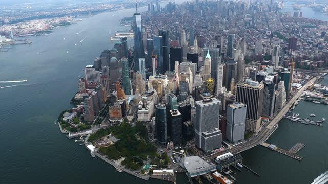 stockvideo's en b-roll-footage met manhattan van bovenaf - manhattan stad new york