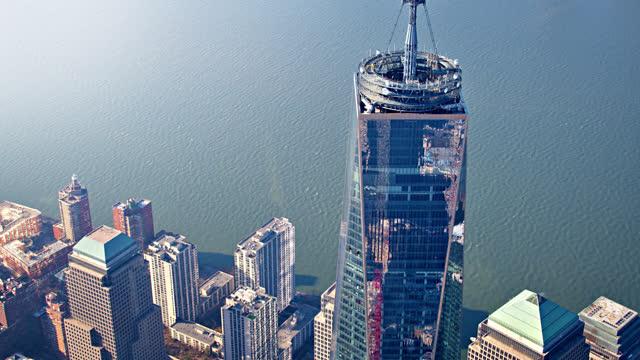 manhattan reflection in one world trade center - manhattan new york city stock videos & royalty-free footage