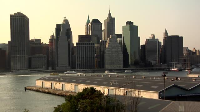 ws, manhattan skyline, docks in foreground, new york city, new york, usa - pacific city stock videos & royalty-free footage