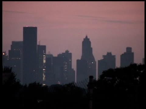 Manhattan skyline during power blackout 14 Aug 2003