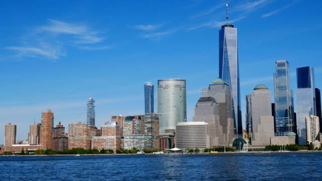 晴れた日のニュージャージーからマンハッタンのスカイライン - 澄んだ空点の映像素材/bロール