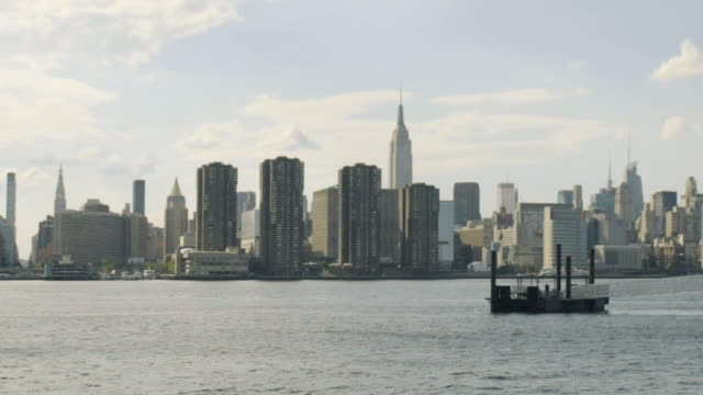 manhattan skyline pan - greenpoint brooklyn stock videos & royalty-free footage