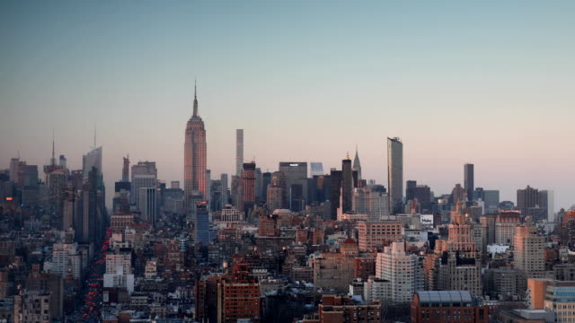 stockvideo's en b-roll-footage met manhattan skyline views bij zonsondergang - stilstaande camera
