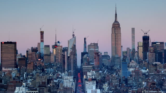 stockvideo's en b-roll-footage met manhattan sunset view - stilstaande camera