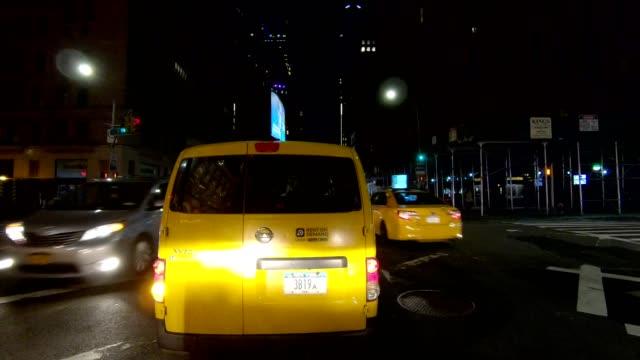 nyc マンハッタン xx 同期シリーズフロントビュードライビングスタジオプロセスプレート - part of a series点の映像素材/bロール