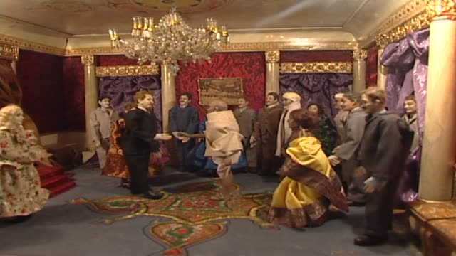 mani bhavan panleft on a diorama depicting gandhi's visiting king george v at buckingham palace in october 1931 - india politics stock videos & royalty-free footage