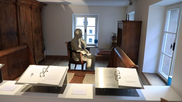 mannequin, representing the writer victor hugo at his work table in his room at the victor hugo house - literary museum on may 23, 2021 in vianden,... - 追放点の映像素材/bロール