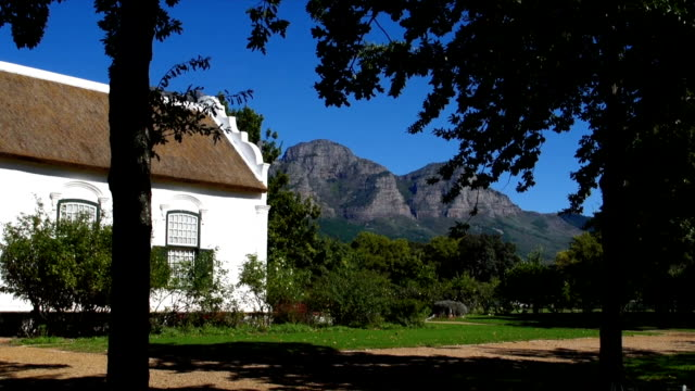 ms td manor house/ cape dutch style farmhouse at wine estate / franschhoek/ western cape/ south africa - franschhoek stock videos and b-roll footage