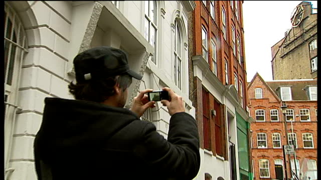 man's mission to fix london's stopped clocks seq stopped public clocks dennen photographing clock reporter to camera ludgate house clock octagonal... - octagon stock videos and b-roll footage