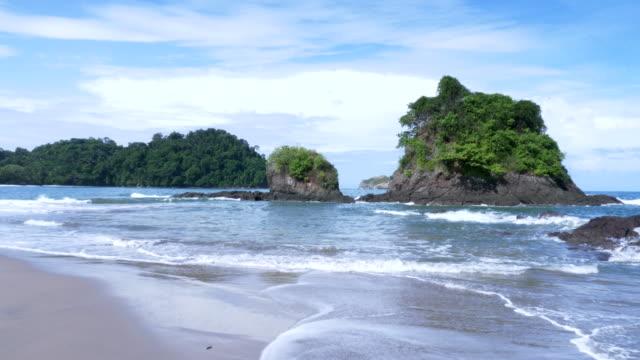 manuel antonio beach - costa rica stock-videos und b-roll-filmmaterial