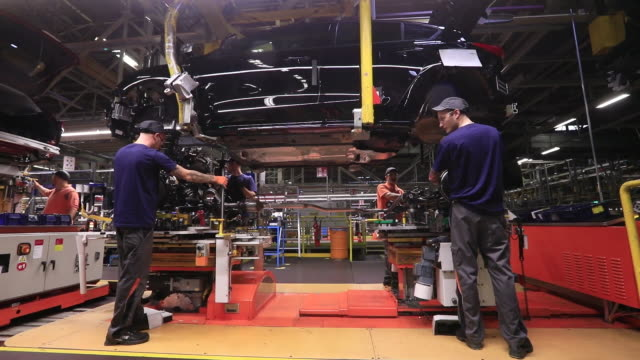 manufacturing of ford focus car in saarlouis, germany on wednesday, september 25, 2019. - automobilindustrie stock-videos und b-roll-filmmaterial