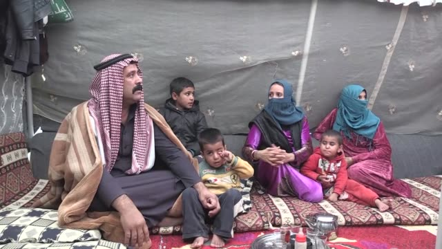 vídeos de stock, filmes e b-roll de many syrian kurds who fled the war and took refuge in turkey are awaiting the day they will be able to return to their home country nearly 30000... - curdo