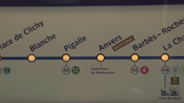 Map inside Paris subway