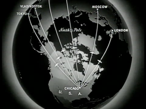 stockvideo's en b-roll-footage met map of air routes stemming from chicago usa over canada to 'tokyo vladivostok moscow london.' - reportage afbeelding