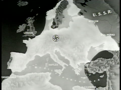 vídeos de stock e filmes b-roll de map map of europe w/ german nazi swastika in circle animated highlighted expansion of german control out of europe 'allied' arrows pushing expansion... - 1944