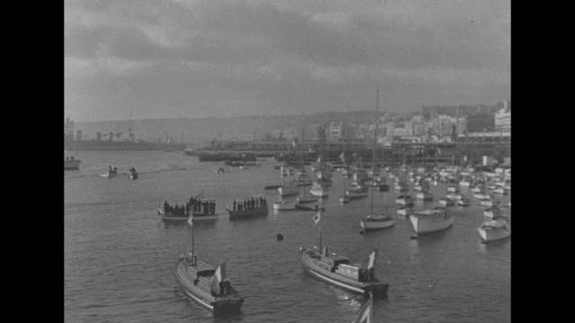 vídeos de stock, filmes e b-roll de map of morocco algeria and tunisia animated line goes to algiers / shot of private boats at anchor in harbor of algiers pan across to us warships /... - áfrica do norte